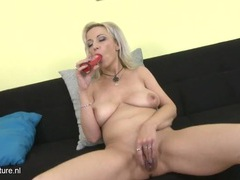Big saggy titties on a masturbating mature blonde movies at freekiloporn.com