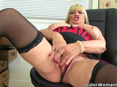 English milf alisha rydes gives her cunt a treat videos