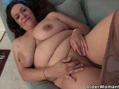American milf nicolette parsons rubs her hungry cunt movies at kilotop.com