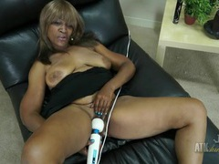 Old black lady vibrates her beautiful pussy videos