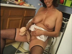 Housewife cleans her dildos and fucks her pussy videos