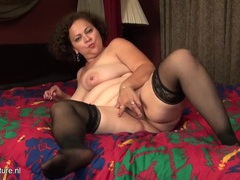 Thick mom with a marvelous big ass in bed movies at kilotop.com