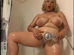 Fatty gets wet and soapy in the shower videos