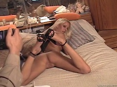 Tiny blonde opens her legs and flaunts her amateur cunt videos