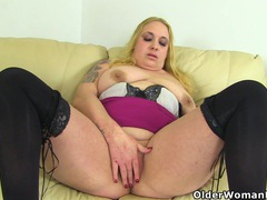 British bbw milf sookie blues fucks a dildo videos