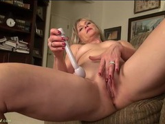 Amateur wife with a vibrator pleasures her pussy solo videos