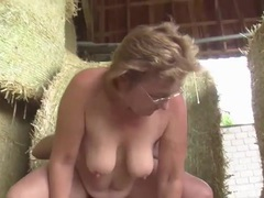 Farmer fucks his slutty wife from behind videos