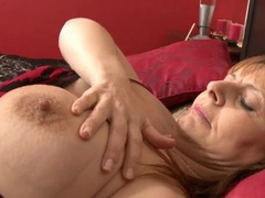 Mom lubes her cunt with lotion and fucks a toy movies at kilotop.com
