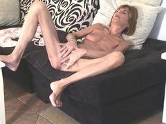 Skinny tanned mom rubs her clit lustily movies at lingerie-mania.com