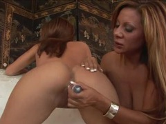 Leggy naked ladies finger fuck and moan loudly movies at kilosex.com