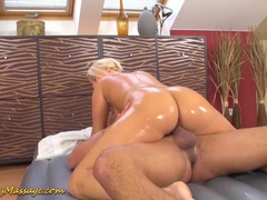 Big ass babe gets slippery fucked tubes