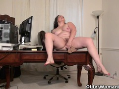 American milf lexy james shows off her office skills videos