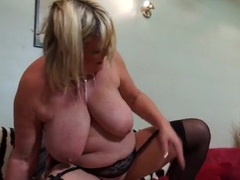 Fucking a fat mom makes his cock feel so good videos