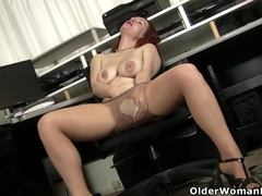 British milf michelle needs to pleasure her love hole movies at kilosex.com