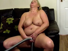 Bbw housewife rubs the vacuum all over her pussy videos