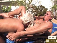 Blonde lesben auf der terrasse movies at kilosex.com