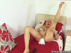 Cleaning gilf lady sextasy goes on a masturbation spree videos