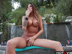 Latina hottie outdoor solo fun videos