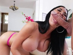 Jasmine jae amazes by swallowing his big cock videos