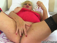 British gilf alisha rydes makes her shaven pussy tingle videos