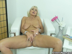 Euro milf roxana exposes her big tits and rubs her cunt videos
