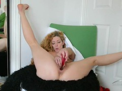 Curvy hips beauty with hot curly hair masturbates for us movies at find-best-ass.com