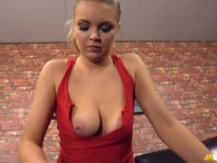 Downblouse teasing cutie lets you check out her tits clip