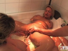 Threesome lesbo action in bethroom 2 movies at kilopics.com