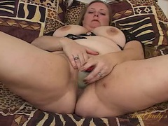 Chubby slut slides a toy into her soaked snatch videos