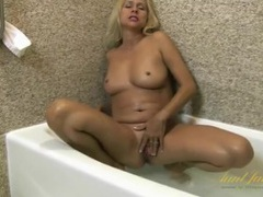 Wet mature body is beautiful in the bathtub videos