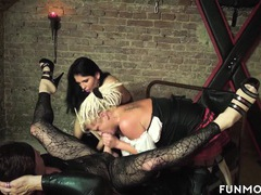 Freakshow amateur german basement orgy videos