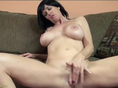 Super hot mature chick plays sensually with her cunt clip