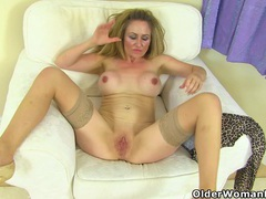 Uk milf classy filth doesn't wear her bra and knickers movies at lingerie-mania.com